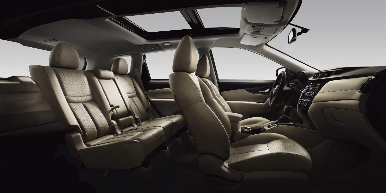 Nissan X-TRAIL, интерьер крупным планом— бежевая кожа