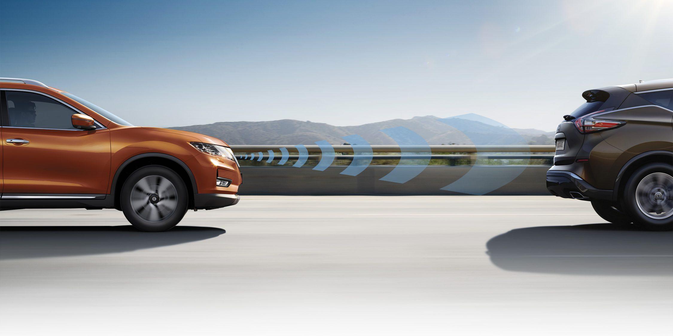 Nissan X-TRAIL profielweergave rijdend met Intelligent Mobility-vormen