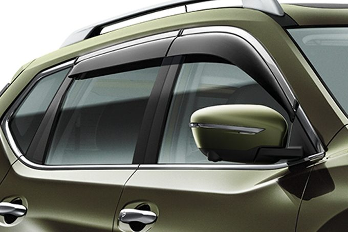 Nissan X-Trail - Exterior - Wind deflector with chrome finisher