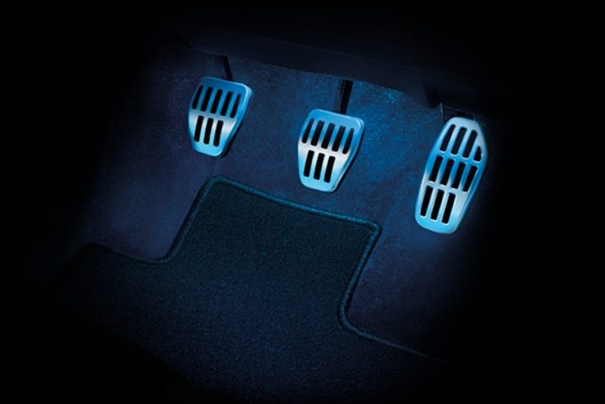 Nissan X-Trail - Interior - Sport pedals & foot rest