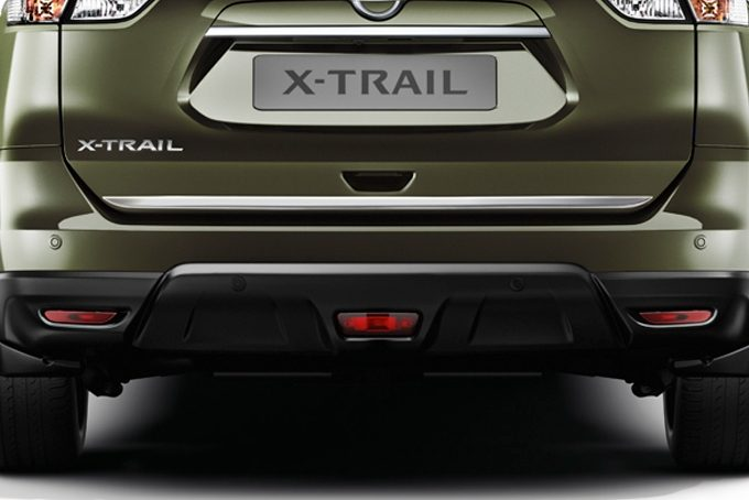 Nissan X-Trail - Styling - Trunk lower finisher ice chrome