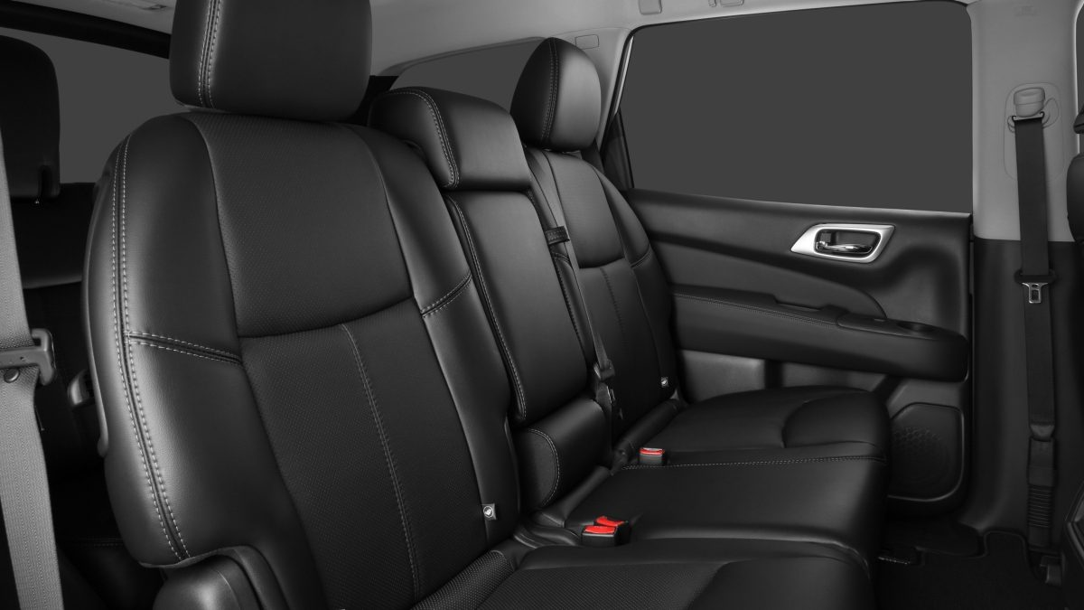 Nissan Pathfinder EZ-flex seating system, showing easy access to third row