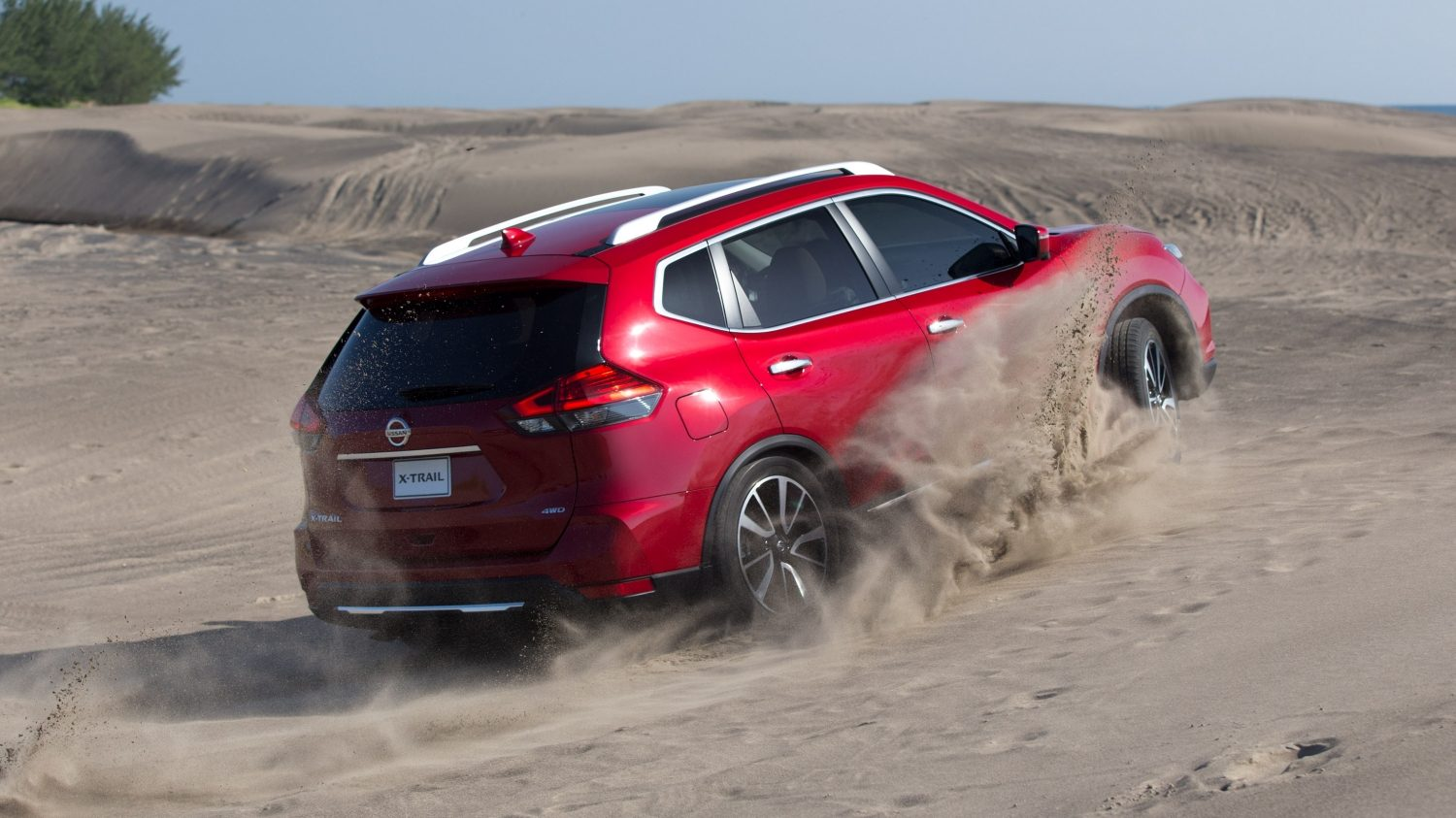 Nissan X-Trail en playa