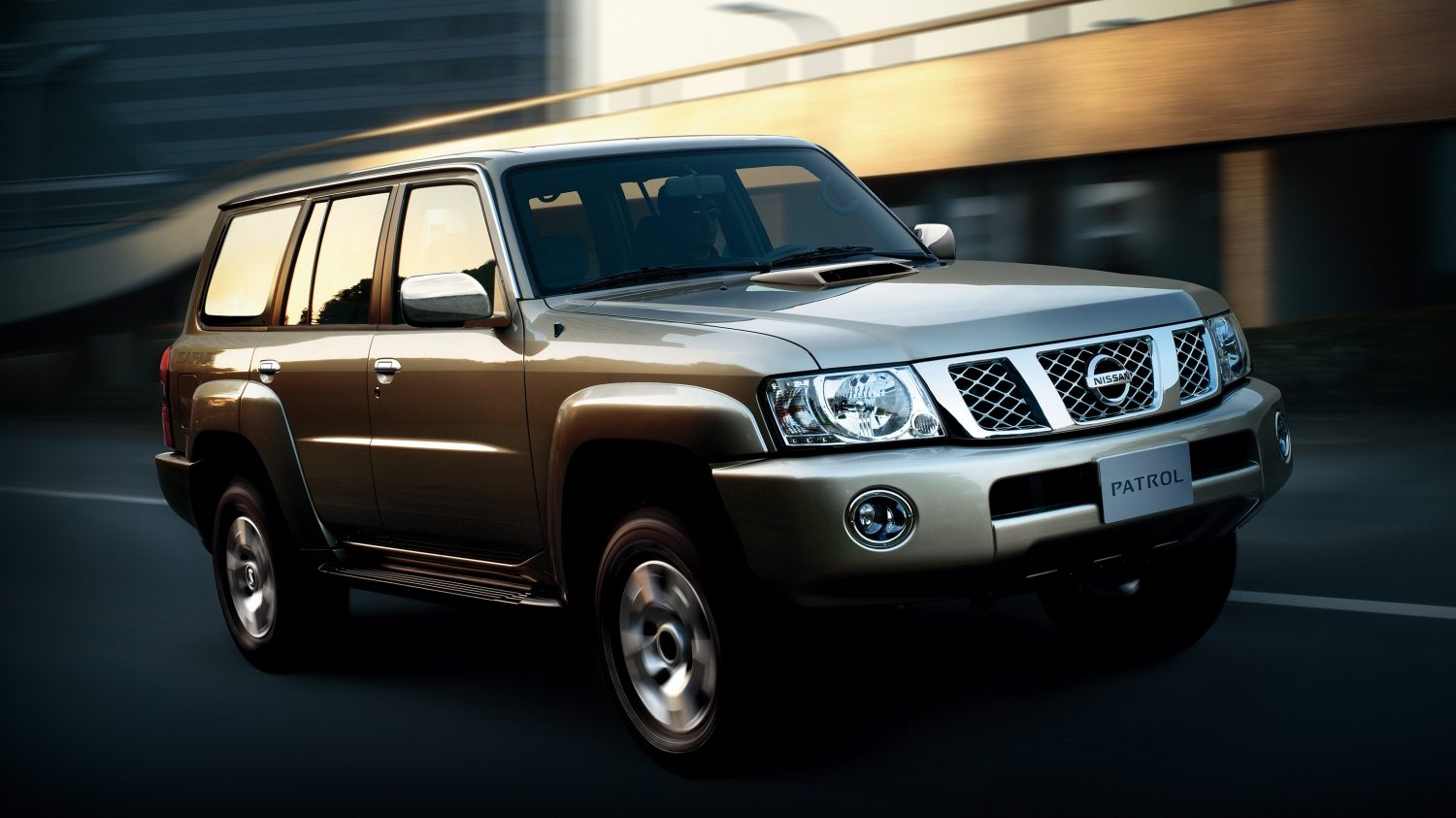 nissan patrol safari off road suv nissan qatar. Black Bedroom Furniture Sets. Home Design Ideas