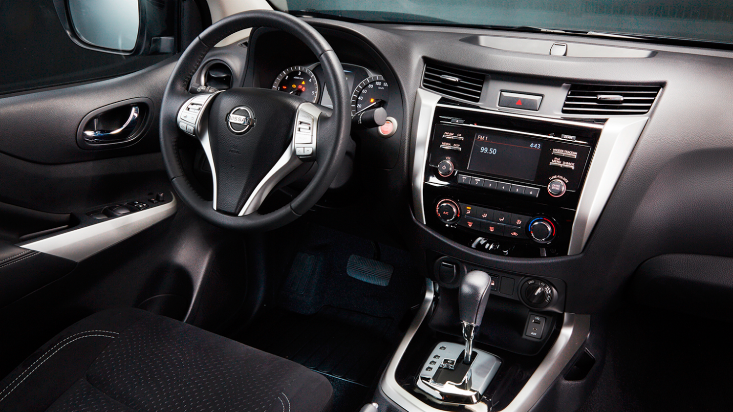 navara sport edition interior