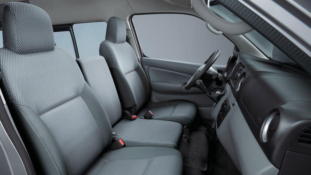 Passenger and cargo van features