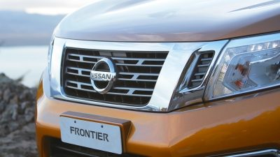 Frontier close-up parrilla cromada