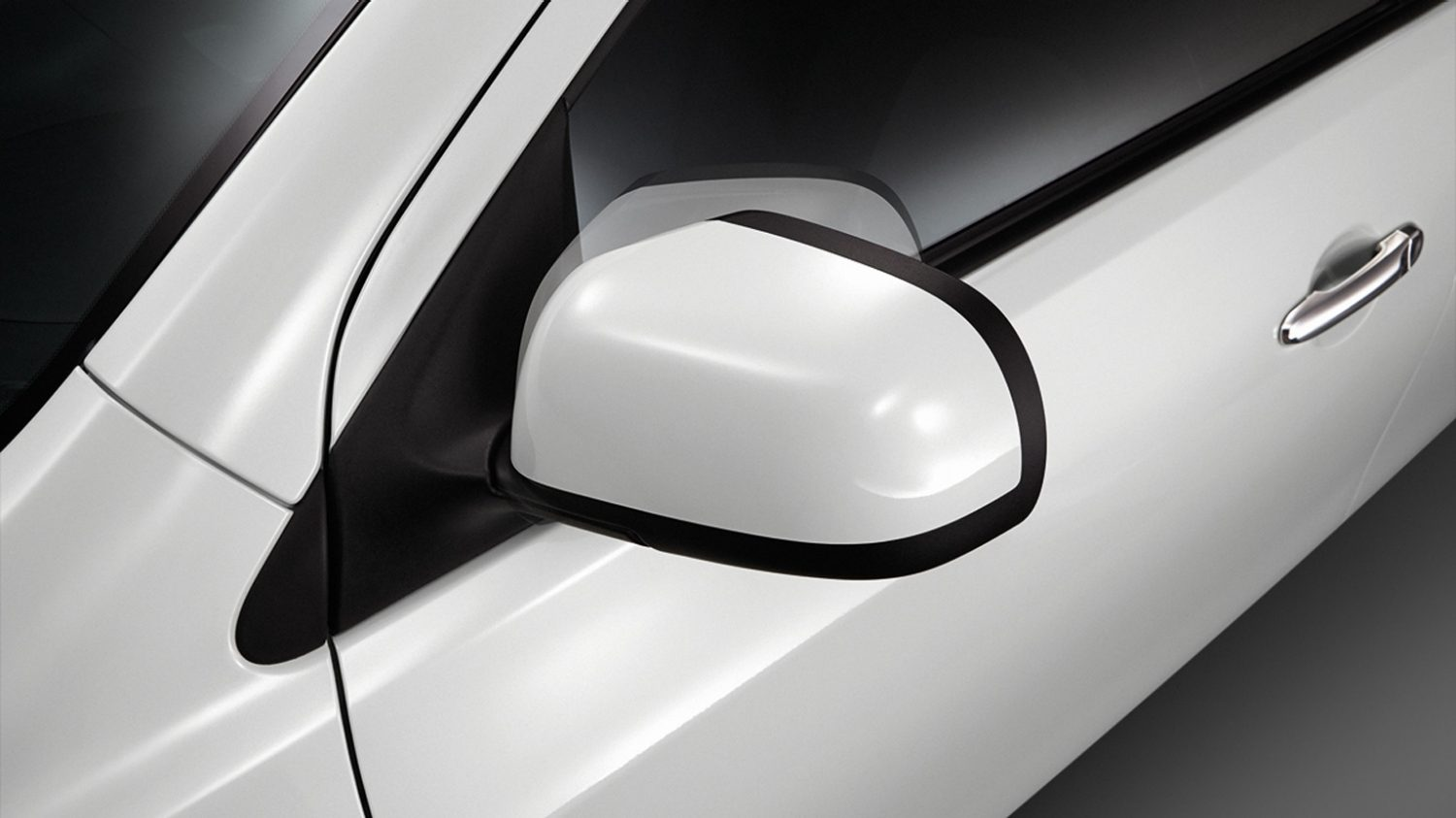Electronic door mirrors