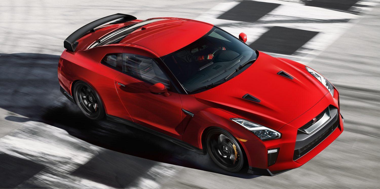 Features Nissan Gtr R35 Sketch Gt R On Racetrack